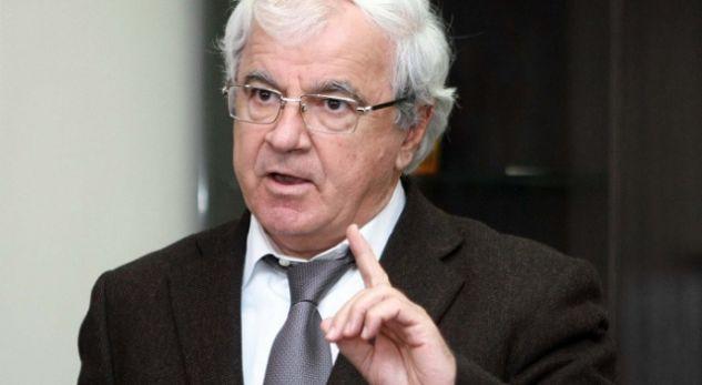 SPARTAK NGJELA: Pse dhënia e nënshtetësisë shqiptare Janullatosit, është një veprim i rëndë anti-historik?