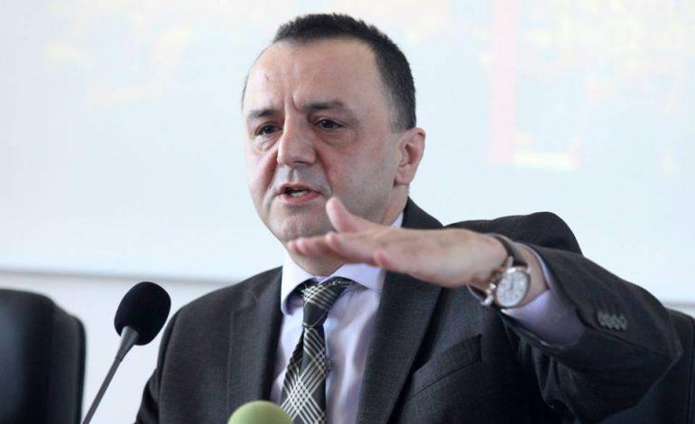 ARTAN LAME: Vetëm shqipot për hall bëhen ç'tu dalë përpara