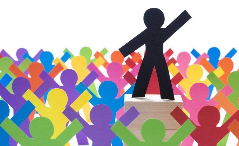 CATHY YOUNG/ A po dështon demokracia liberale? Jo, është një viktimë e suksesit të saj