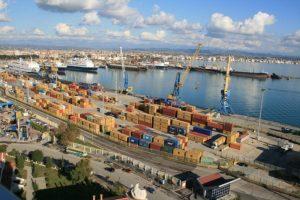 ENVER ROBELLI/ Largoni këta njerëz nga Porti i Durrësit!