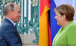 MICHAELA KUFNER/ Merkel dhe Putin, kundёrshtarё tё besueshёm nё kohё tё pasigurta