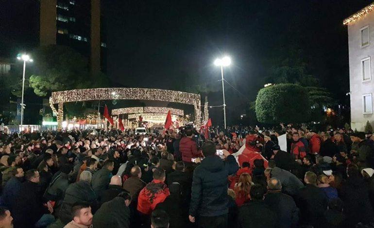 MENTOR KIKIA/ Në Shqipëri duhet të vendoset, së pari, Liria Politike