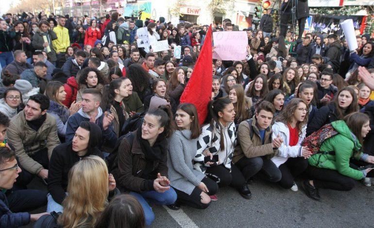 NAMIR LAPARDHAJA/ Protesta që duhet të merrte përpara Sistemin!