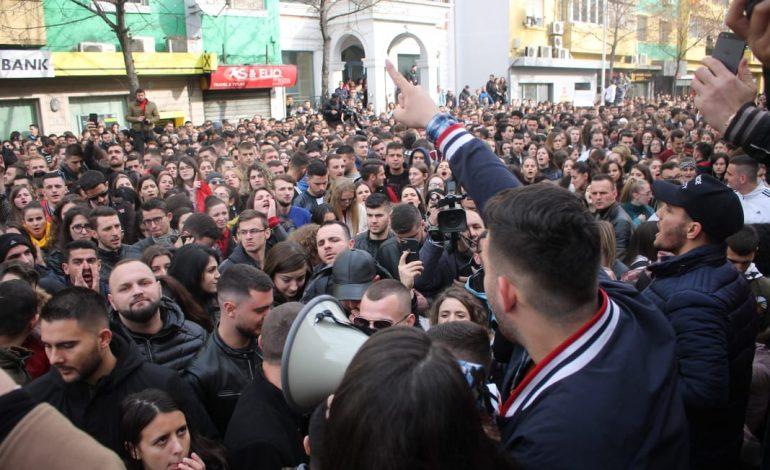 BEN ANDONI/ Sa herë ndihen probleme në Kosovë, trazohet Shqipëria