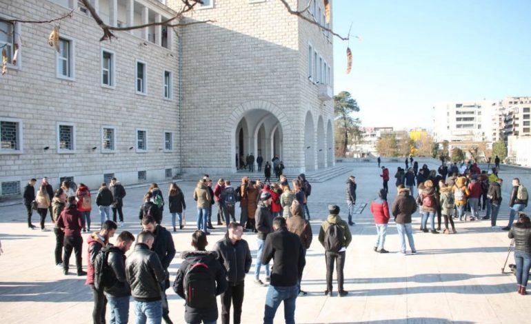 EDMOND ARIZAJ/ Pse kjo nuk është më protesta e studentëve