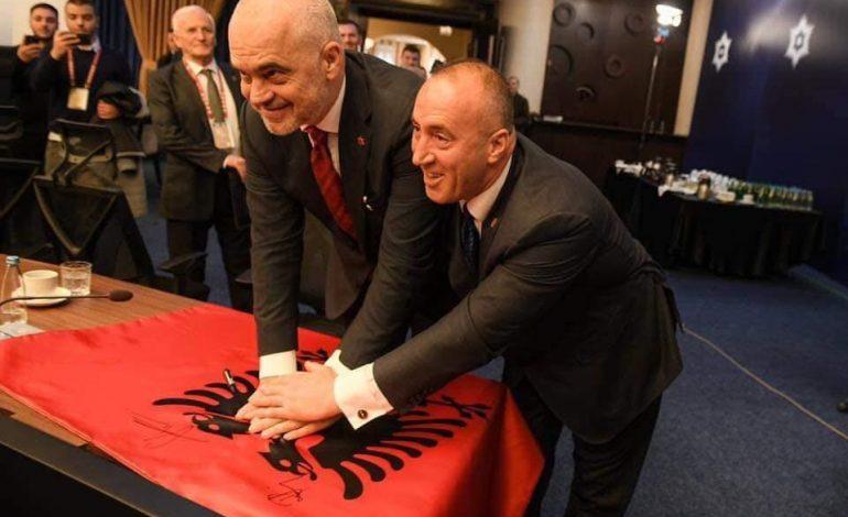 ENVER ROBELLI/ Çfarë e pret botën shqiptare në vitin 2019?
