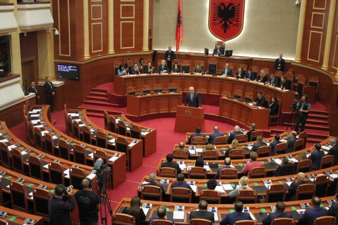 ANALIZA/ Sfida kryesore e një sezoni të ri politik