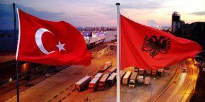 BEN ANDONI/ Shqiptarët, me filmat turq, po rregullojnë dhe historinë