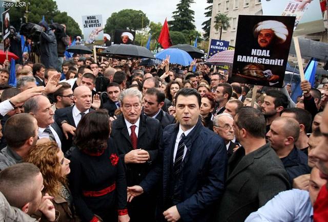 ANALIZA/ Telashet e opozitës me votën 2009-2013: si u mund Berisha-kryeministër vetëm me votë!