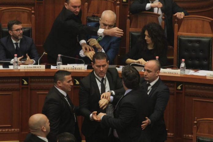 MERO BAZE/ Edi Paloka është një dhunues i opozitës, jo i Edi Ramës!