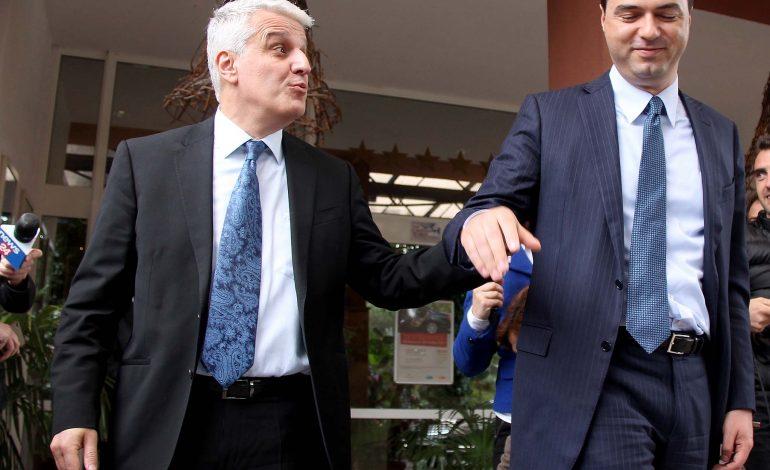 """ARMANDO META/ Opozita kërkon Majkon, rishfaqet """"goma e shpëtimit"""" e trazicionit shqiptar"""