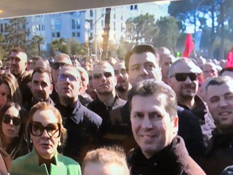 ARMANDO META/ Pse Basha e Kryemadhi u detyruan të ikin 'nga sytë këmbët' prej Kryeministrisë?