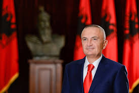 BRIZIDA GJIKONDI/ Zoti President, garanto Kushtetutën, garanto Kombin