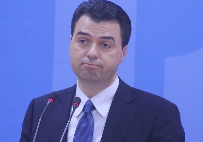 """FRROK ÇUPI/ Pse është 2 prilli një """"kalë"""" dhe pse Basha mblodhi në Shkodër më pak njerëz se në varreza?"""