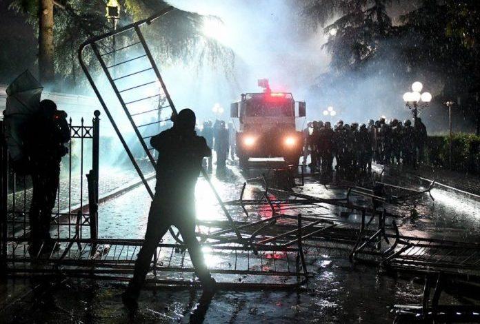 ALTIN KETRO/ Skaner dashnorëve të trazirave dhe një pyetje për Alibeajn