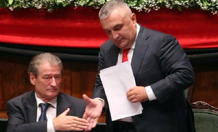 MERO BAZE/ Përse nuk e qetësojmë dot Ilir Metën dhe Sali Berishën?