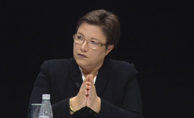 BRIZIDA GJIKONDI/ Presidenti ynë i turpit në Bosnjën e martirizuar: Karagjozi i kombit