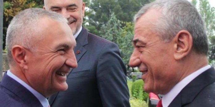 SHËNIM / Dritëhijet e fotos së publikuar nga Presidenti