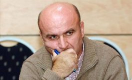 MERO BAZE/ Presidenca si teatër pa spektatorë