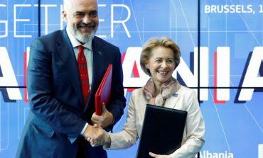 """BLEDI LUMANI/ Për eurot me """"helm"""" që mblodhi Rama"""