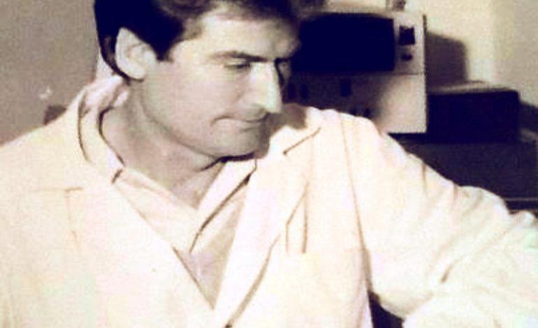 KRESHNIK SPAHIU/ Pse doktor Berisha s'po e rivesh bluzën e bardhë për ti shërbyer popullit?