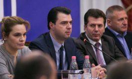 """ARTUR AJAZI/ A ka patur vërtetë """"front opozitar"""" në Shqipëri?"""