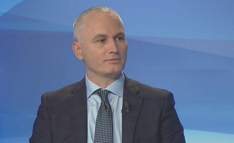 """ALBERT NIKOLLA/ Basha kërkon votat e shqiptarëve për t'u bërë """"qytetar nderi"""" në Kosovë"""