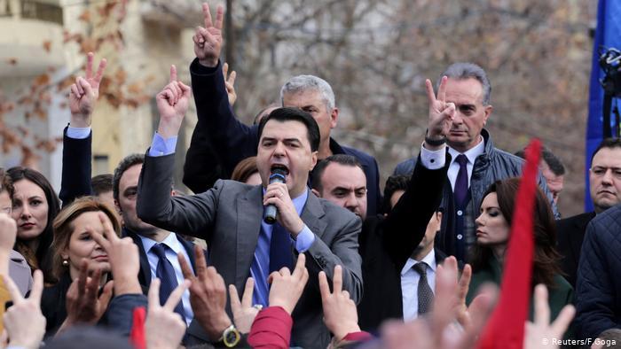 MERO BAZE/ Sot, dita kur Lulzim Basha duhet t'u kërkojë ndjesë demokratëve