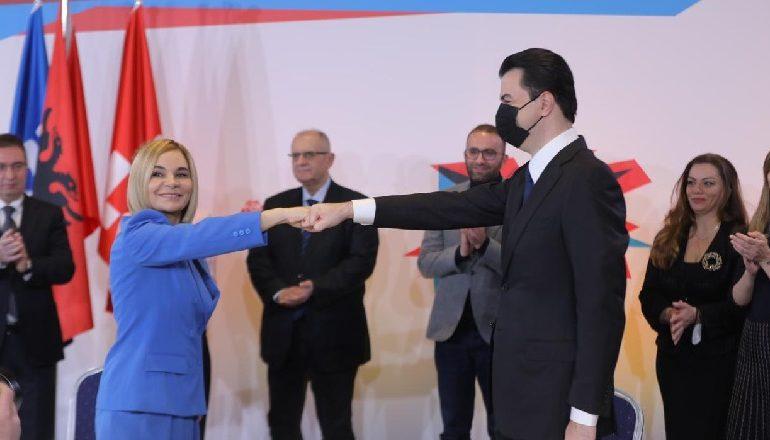 FRROK ÇUPI/ Shqipëria, vila që fiton