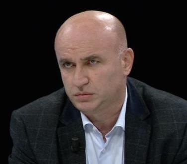 """MERO BAZE/ Rasti Sarkozy dhe Basescu, përballë aferës së klubit """"Partizani"""""""