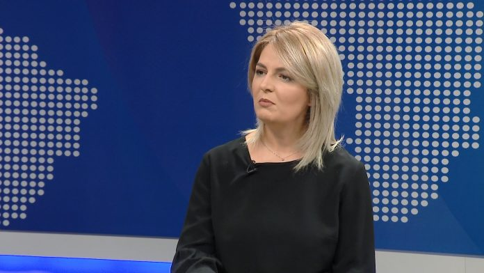 VILMA BELLO/ Me kë fiton Shqiperia?