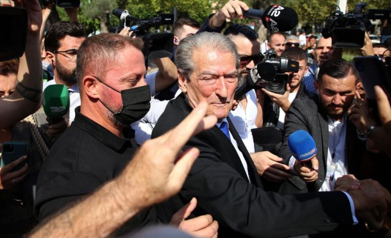 NAMIR LAPARDHAJA/ Demokratët nuk i kanë sot asnjë borxh Berishës, ai po, është borxhli ndaj nesh